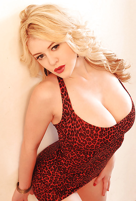 Voluptuous curvy blonde Brookie G. in tight dress